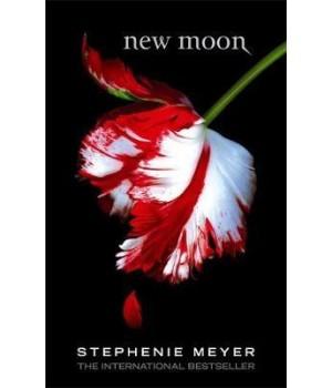 Книга для читання New Moon Paperback